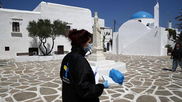 Yunanistan 15 Haziran'dan itibaren turist kabul edeceği 29 ülkeyi açıkladı.