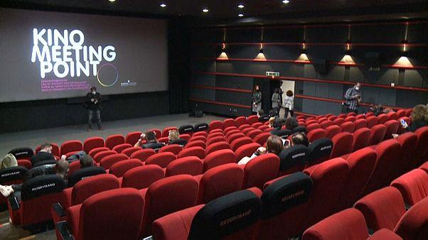 Cinema de Sarajevo reabre após dois meses de encerramento