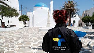 أطباء يجرون اختبارات كوفيد-19 في جزيرة سيكينوس - 2020/05/25