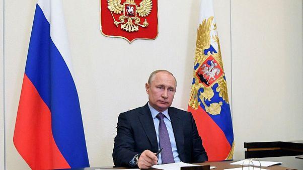 Alexei Nikolsky, Sputnik, Kremlin