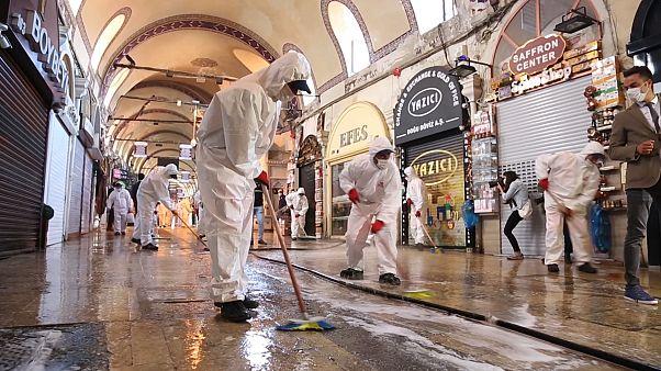 İstanbul Kapalı Çarşı dezenfekte çalışmaları