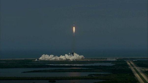 Partida do Foguetão da SpaceX, de Cabo Canaveral, nos EUA