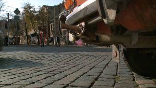 Litunia: il programma di Vilnius per far fuori le auto brutte, vecchie e inquinanti