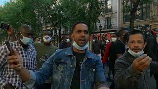 مظاهرات داعمة لقضية المهاجرين غير الشرعيين في باريس