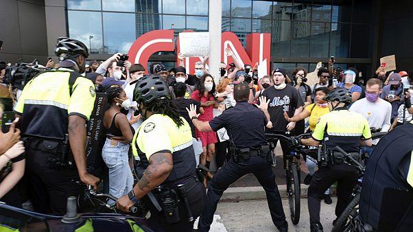 مظاهرات تنديدا بمقتل جورج فلويد في أتلانتا