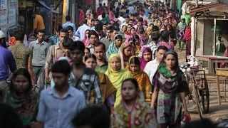 بنغلاديش ترفع  تدابير الإحتواء