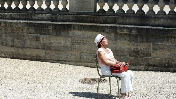 Все французы мечтают отправиться в кафе