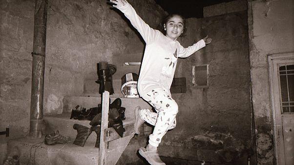 Refai (12 y.o.) from Qamishli, Syria, took a dynamic portrait of her sister