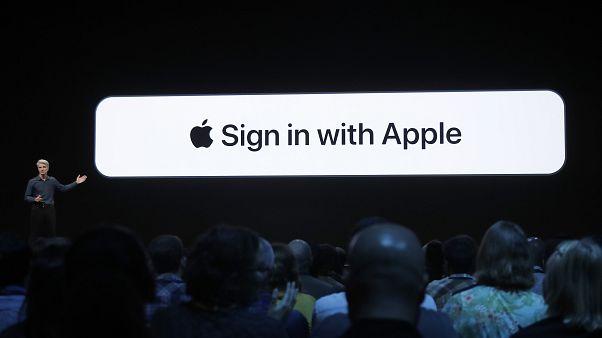 """""""Apple ile oturum aç"""""""