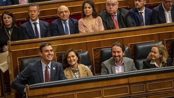 Spaniens Regierung freut sich über die Einführung des Existenzminimums