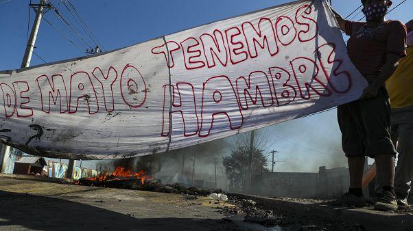 Manifestación demandando ayudas al Gobierno chileno para los afectados por la pandemia