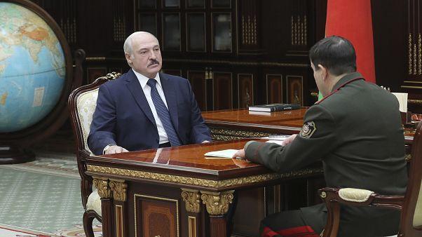 Александр Лукашенко на встрече с председателем ГКБ Валерием Вакульчиком.
