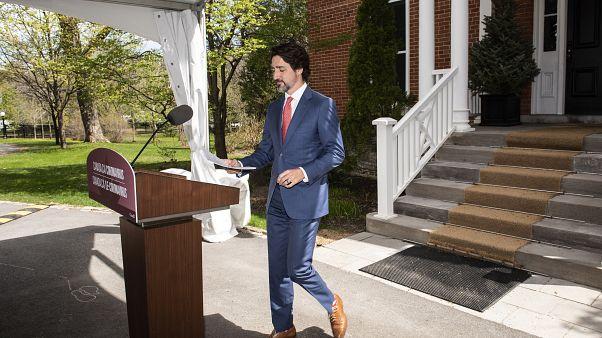 رئيس الوزراء الكندي حاستين ترودو خلال مؤتمر صحافي امام مقر إقامته في أوتاوا - 2020/05/19