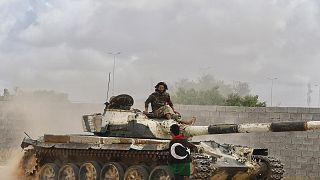 Libya hükümeti ile Hafter ateşkes görüşmelerine yeniden başlamayı kabul etti