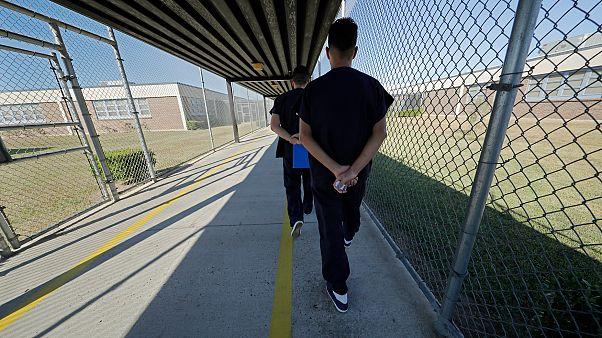 بازداشتگاه ایالت لوئیزانای آمریکا برای نگهداری مهاجران غیرقانونی