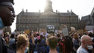 راهپیمایی ضدنژادپرستی در آمستردام