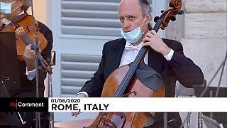 İtalya'da Covid-19'dan ölenler klasik müzik konseriyle anıldı