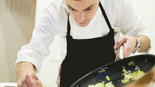 El chef Roberto Terradillos en su restaurante Terra Palencia
