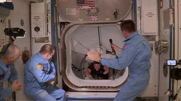 فضانوردان اسپیس ایکس در حال ورود به ایستگاه بین المللی فضایی