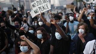 Violência após manifestações interditas contra detenção mortal em França