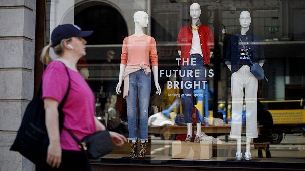 El coronavirus condena al pago 'en efectivo' en los negocios británicos