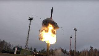 """صاروخ """"أفانغارد"""" الروسي الخارق للصوت"""