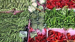 Fiyatı en fazla artan ürün çilek olurken en faza düşen sivri biber oldu
