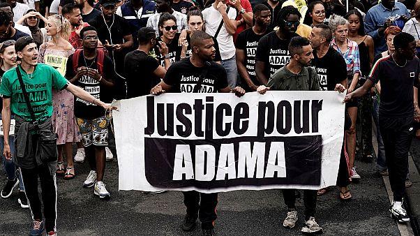 Wer war Adama Traoré, für den in Frankreich Tausende auf die Straße gehen?