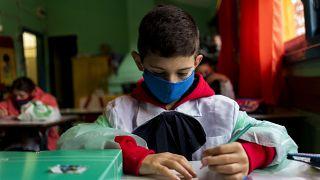 Uruguay'da açılan okullardan bir kare, arşiv