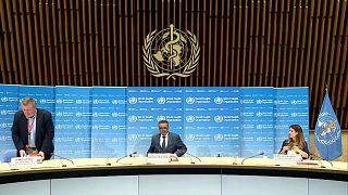 El director de la OMS confirmó la continuidad de los ensayos