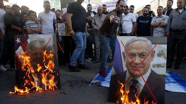 تظاهرات فلسطینیان در کرانه باختری بر ضد طرح صلح آمریکا