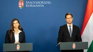 Gulyás Gergely, a Miniszterelnökséget vezető miniszter és Szentkirályi Alexandra kormányszóvivő - 2020 május