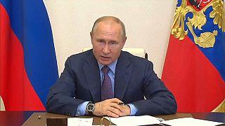 Vladimir Putin durante la video conferenza sul disastro ambientale di Norilsk