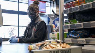Un salario minimo per combattere la crisi economica