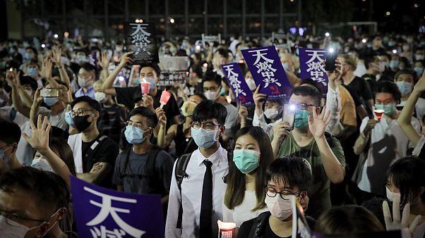 Hong Konglular Tiananmen kurbanlarını anmak için toplandı
