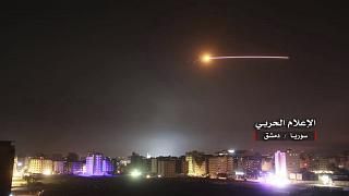 """صورة """"للدفاعات جوية تتصدى لهجوم إسرائيلي"""" نشرتها وكالة الأنباء السورية سابقاً"""