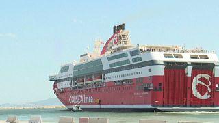 """Le """"Danielle Casanova"""" a embarqué 1000 personnes à Tunis, direction Marseille."""