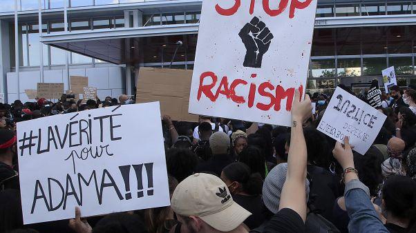 تظاهرات در برابر ساختمان دادگستری پاریس
