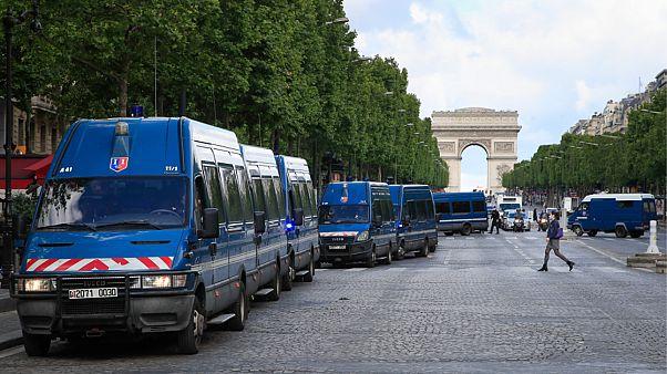 مركبات شرطية في باريس