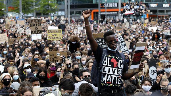 Europa: Zehntausende protestieren gegen Tod von George Floyd
