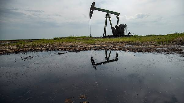 آلة استخراج النفط