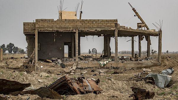 منزل مدمر في دير الزور