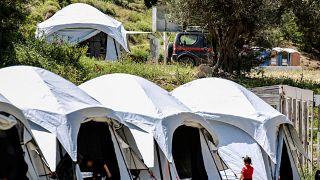 مراكز مؤقتة بالقرب من مخيمات المهاجرين في اليونان لفحص حالات فيروس كورونا