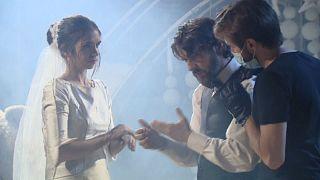 Maszk és kézfertőtlenítő - újból lehet filmet forgatni Spanyolországban
