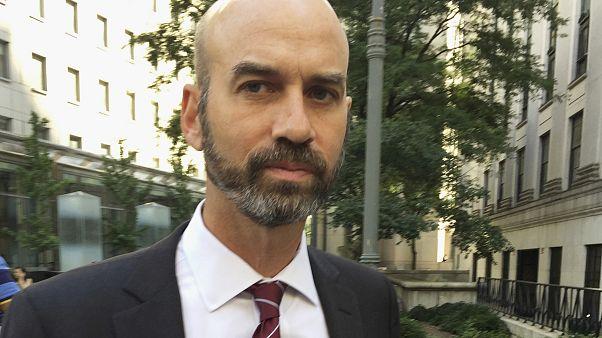 جيمس بنت الصحافي المحرر في نيويورك تايمز