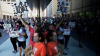 تظاهرات در مینیاپولیس جایی که جورج فلوید در آنجا کشته شد