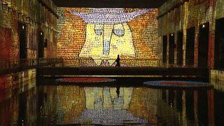 Denizaltı üssü, dünyanın en büyük dijital sanat galerisine dönüştürüldü