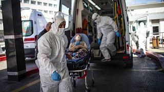 Sağlık Bakanlığı, Covid-19'la mücadelede tedbirleri güncelledi