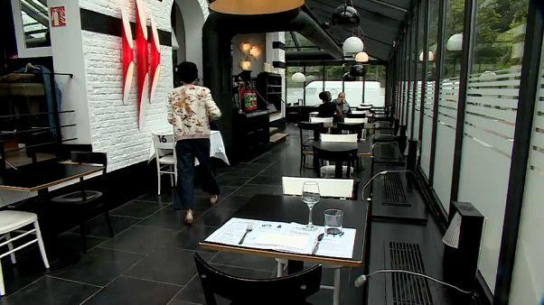Un restaurante belga preparándose para la reapertura