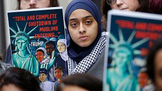 Müslümanların ABD'ye giriş yasağı karşıtı protesto